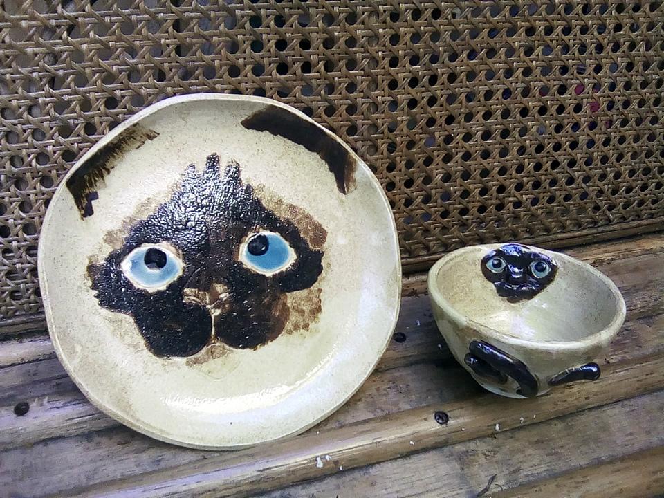 シャム猫の平皿と覗き見器